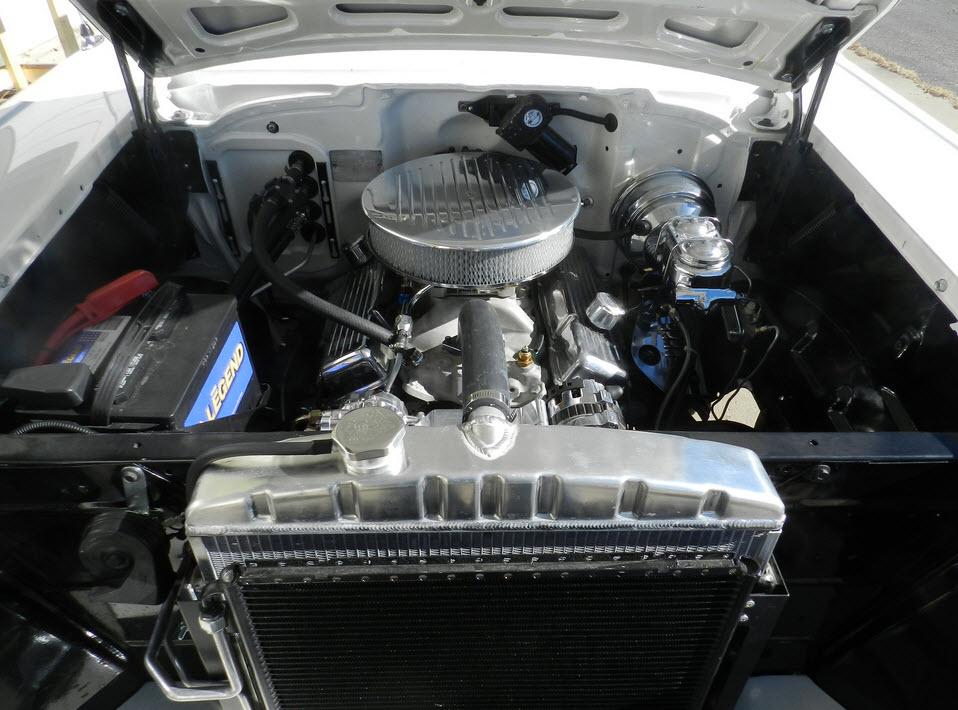 57-Chevrolet-Engine-V8