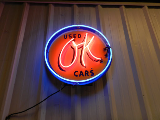 Used Cars Sign Neon Light